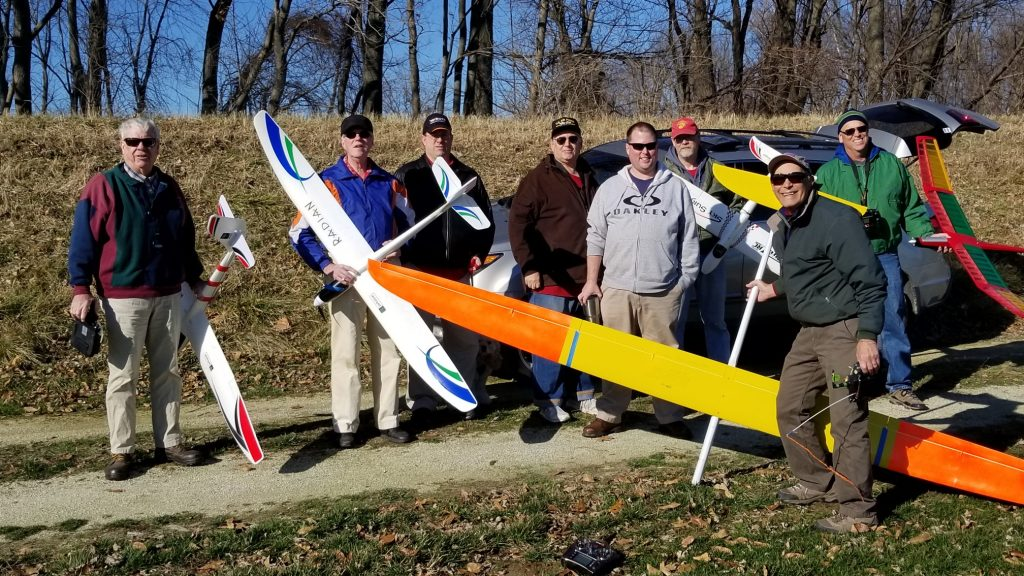 Bob Gill flying a Radian XL, Bill Coalson a 2M Radian, Robert and Wayne were flying 3.7M e-Aspires, Jeff Brundt a x-UAV Sky Surfer, Jan an old school Davey-Systems Lucifer 2M electric. Duane flying Go-Mini 1M dlg, Dave was walking his dog and not flying.